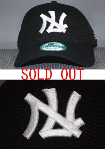 画像1: New Era(ニューエラ)9Forty 西鉄 ライオンズ 日本プロ野球 旧ロゴ Logo Black White 埼玉 西武 Official (1)