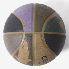 画像3: × Spalding Valiant 4 Basketball スパルディング コラボレーション バスケット ボール 7号 Camo Laurel Black Air Force Grey Leather (3)