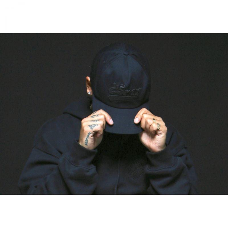 画像1: x PUBLIC ENEMY Blackout Snapback Cap パブリック エネミー ブラックアウト スナップバック キャップ 帽子 (1)